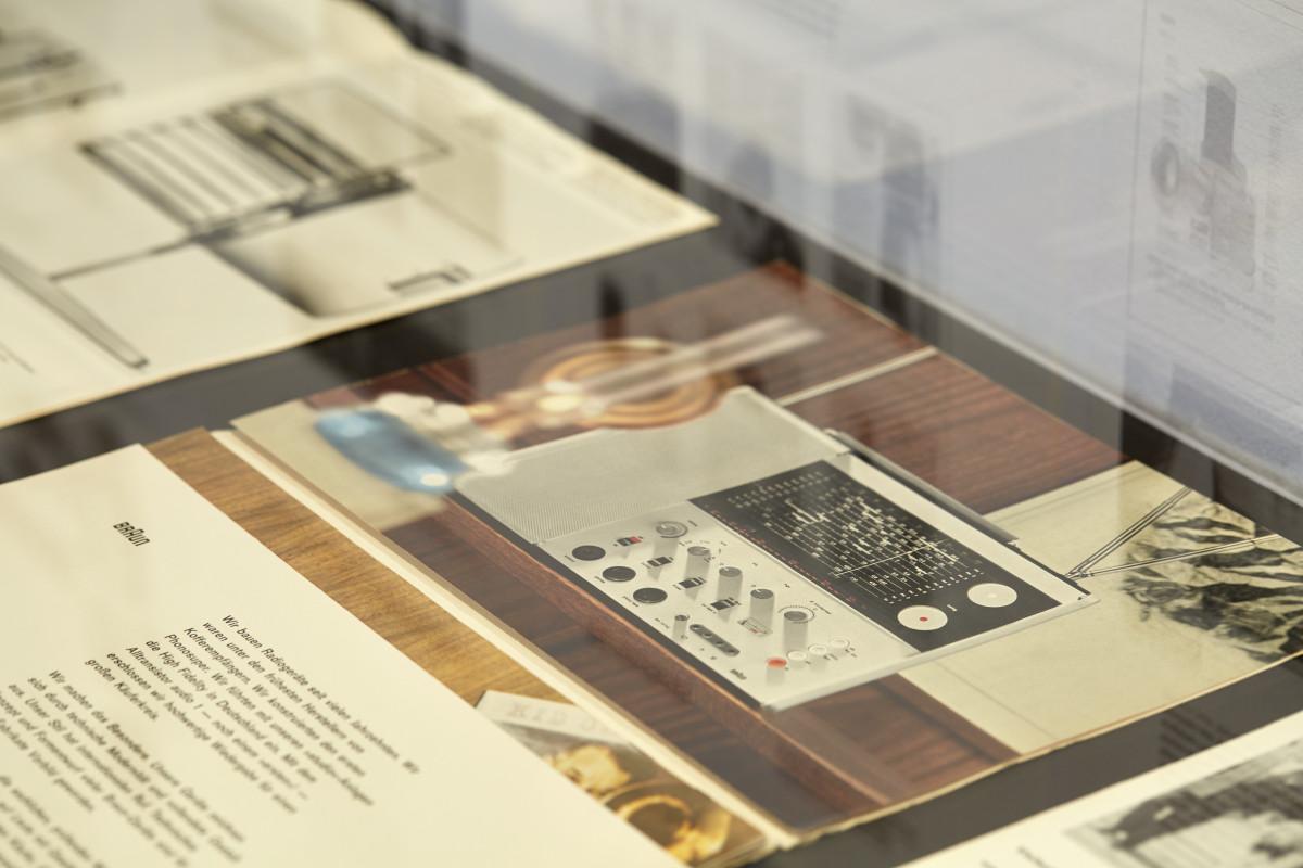 """Blick in die Ausstellung """"Die Braun Idee"""" 2"""