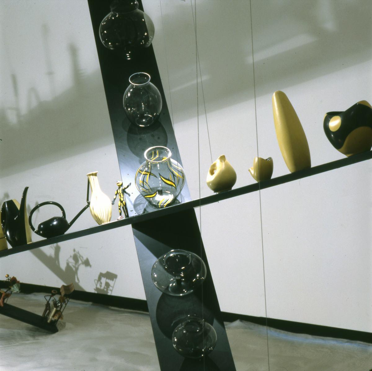 """Exponate """"Sammeln in einem offenen System"""" im Werkbundarchiv - Museum der Dinge"""