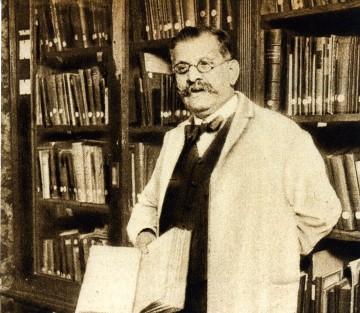 Magnus Hirschfeld in der Bibliothek des Instituts für Sexualwissenschaft (o.J.) © Magnus-Hirschfeld-Gesellschaft e.V., Berlin