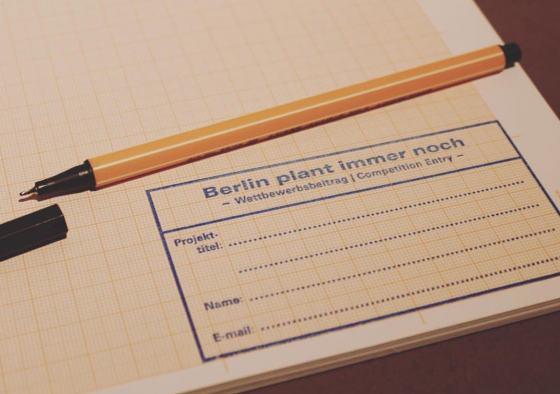 """Milimeterpapier zur Teilnahme am Wettbewerb """"berlin plant – immer noch!"""", Foto: Isa Hönle"""